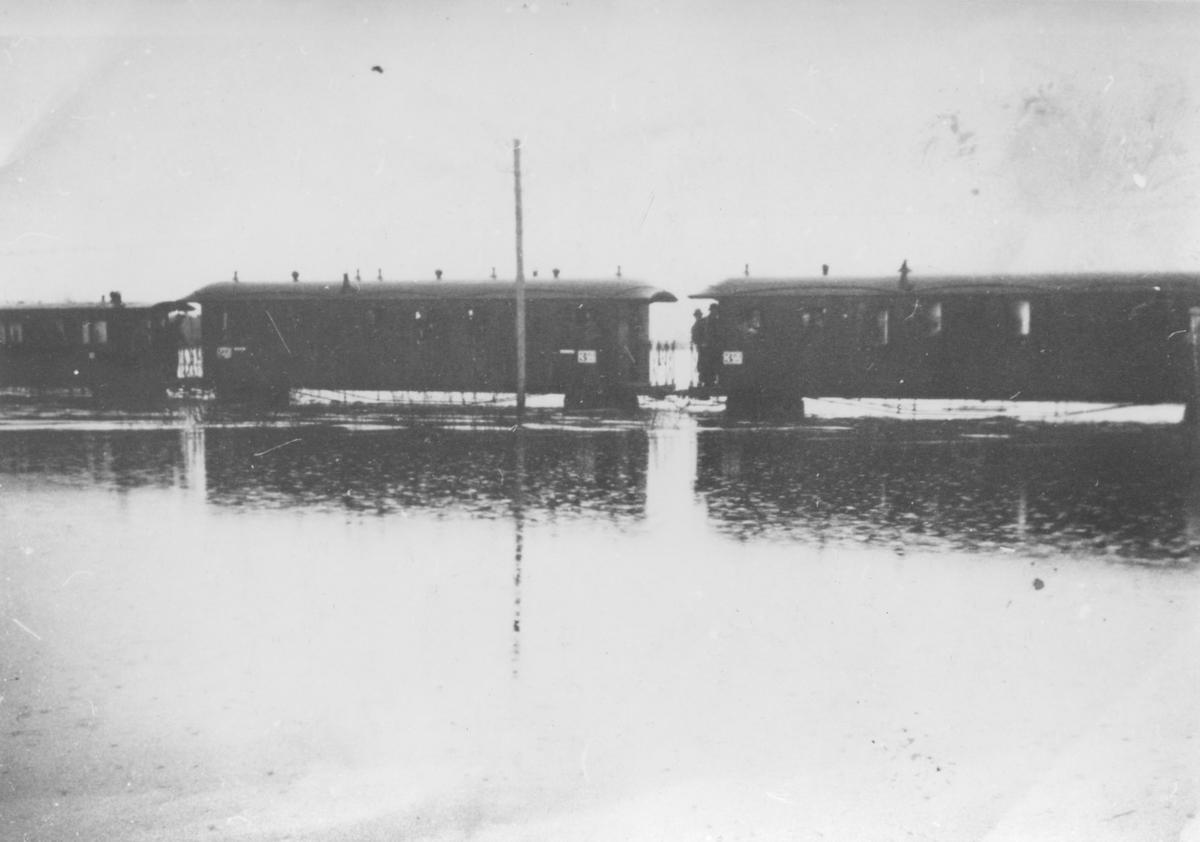 Flom ved Bjørkelangen 17. april 1937.