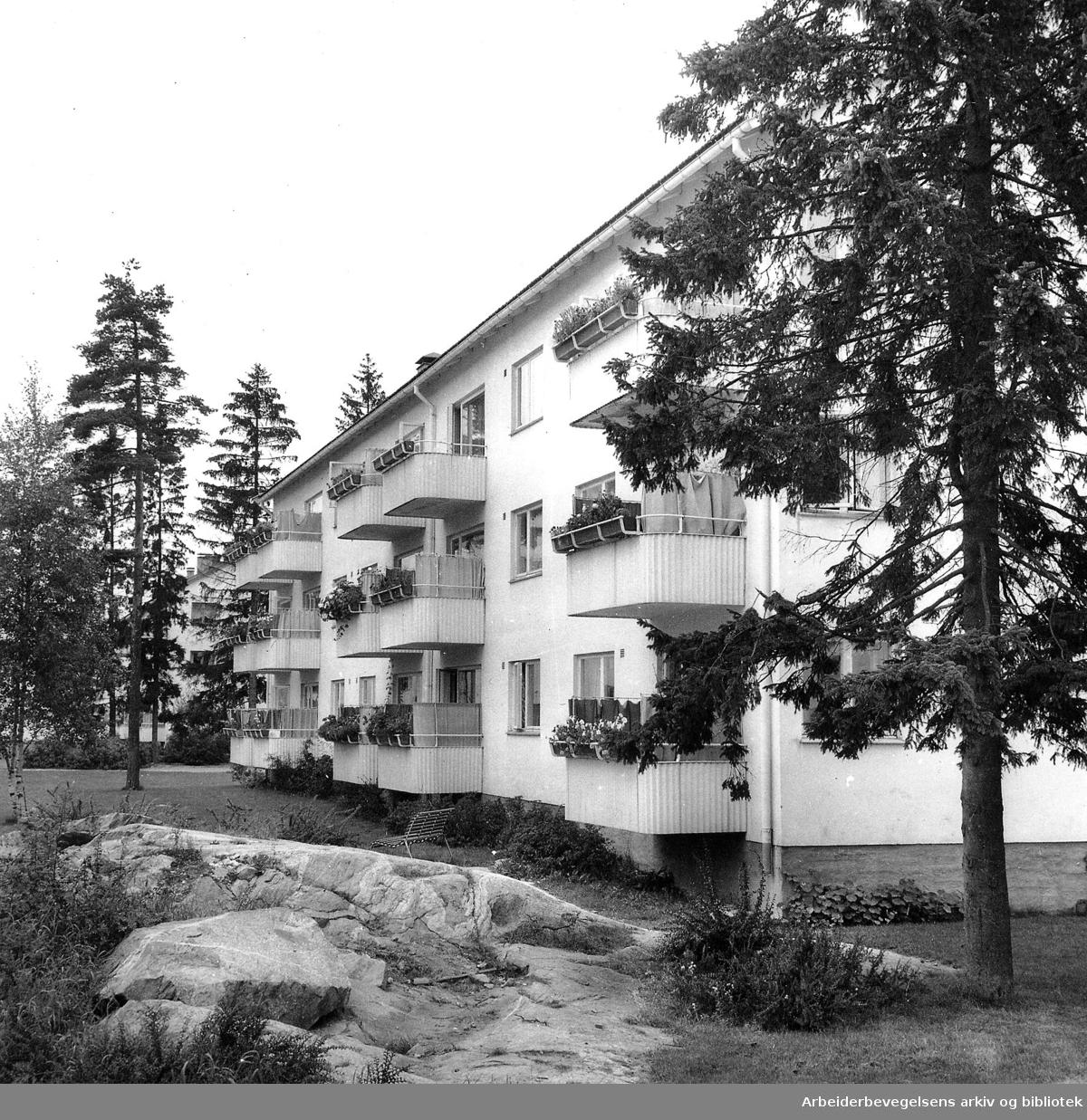 Boligblokk på Lambertseter,.september 1958.