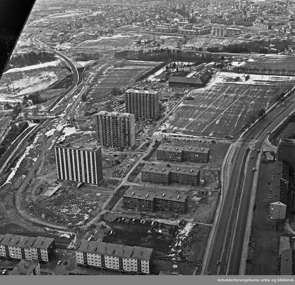 Flyfoto over Linderud,.mars 1964