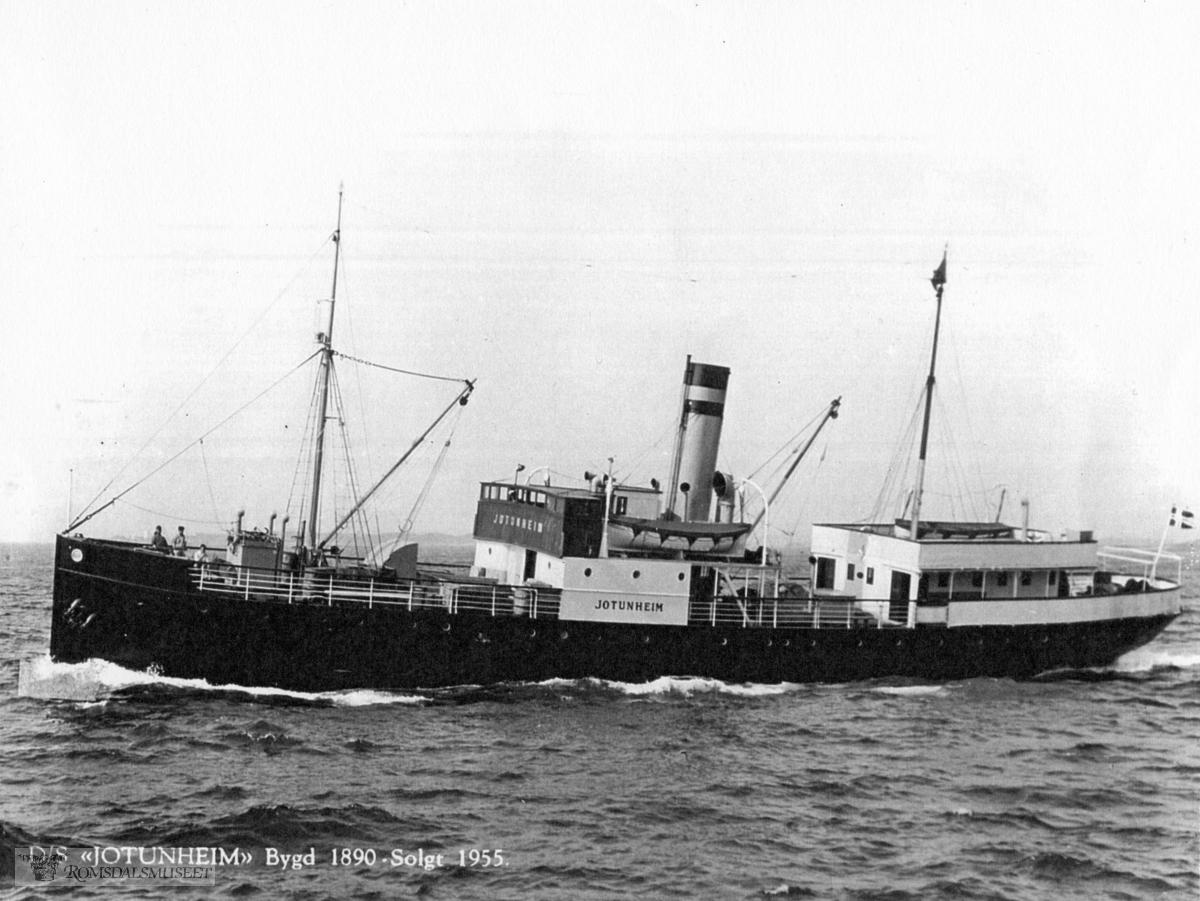 D/S Jotunheim bygd 1890 solgt 1955..D/S Jotunheim ble opprinnelig bygget i 1890 for Sogns Dampskibsselskap og satt i konkurransefart med Fylkesbaatane mellom Bergen og Lærdal. I 1892 ble farten på Sogn avsluttet og skipet solgt til Søndmøre Dampskibsselskap..Søndmøre Dampskibsselskap. Den fikk i rute mellom Bergen og Mørebyene til 1922. I 1920 ble båt og rederi overtatt av Møre Fylkes Ruteselskap, som seinere byttet navn til Møre og Romsdal Fylkesbåtar (MRF)..Etter 1922 ble «Jotunheim» bygd om for å gå i ruta Ålesund-Molde-Åndalsnes («Åndalsnesruta». Dette ble et svært viktig samband for passasjerer, post og gods til og fra Åndalsnes etter at Raumabanen åpnet i 1924..Den gikk i mange år i denne ruta. Det ble etter hvert satt inn nye båter på Åndalsnesruta. «Jotunheim» ble brukt som avløser på andre ruter, og igjen satt inn i kystrute til Bergen. Den ble tatt ut av trafikk i 1955 og solgt for opphugging.