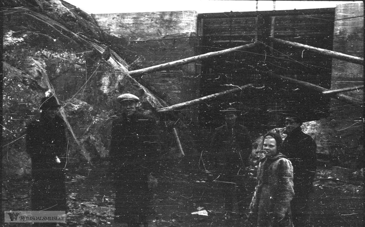 Havnearbeidet startet opp 1937 og ble avsluttet under krigen..(Filmbeholder datostemplet Sept 1941)