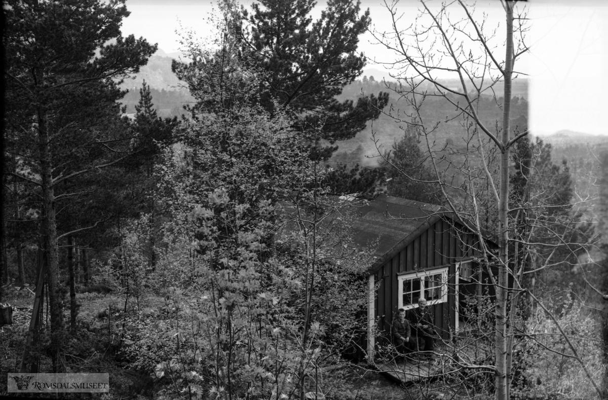 """""""April mai 1963. Gravferd Reitan - Gjelsvik, Hustad""""."""