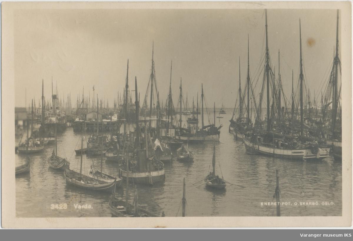 Postkort, båter på Nordre Våg, ca. 1920