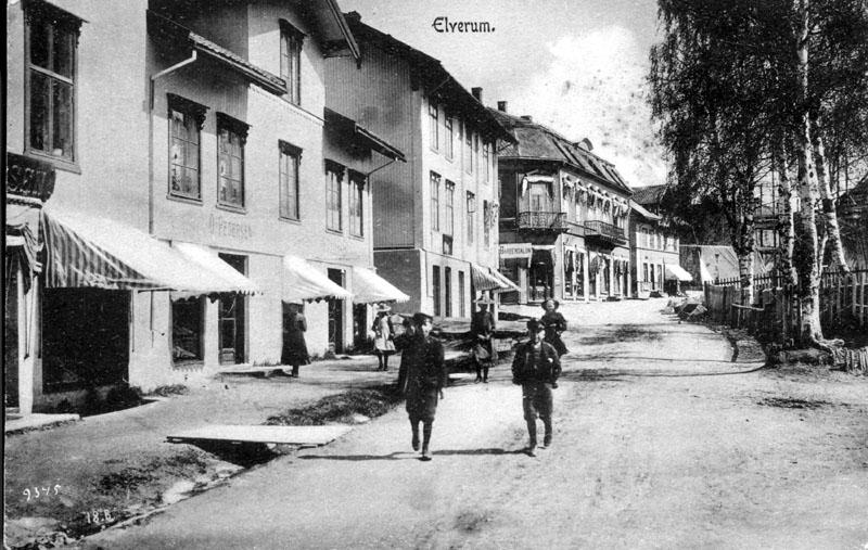 Barn i St. Olavsgate