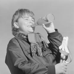 Reklamefoto for appelsindrikk, E.C. Dahls Bryggeri