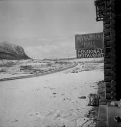 Dovrefjell , den første snø høsten 1950