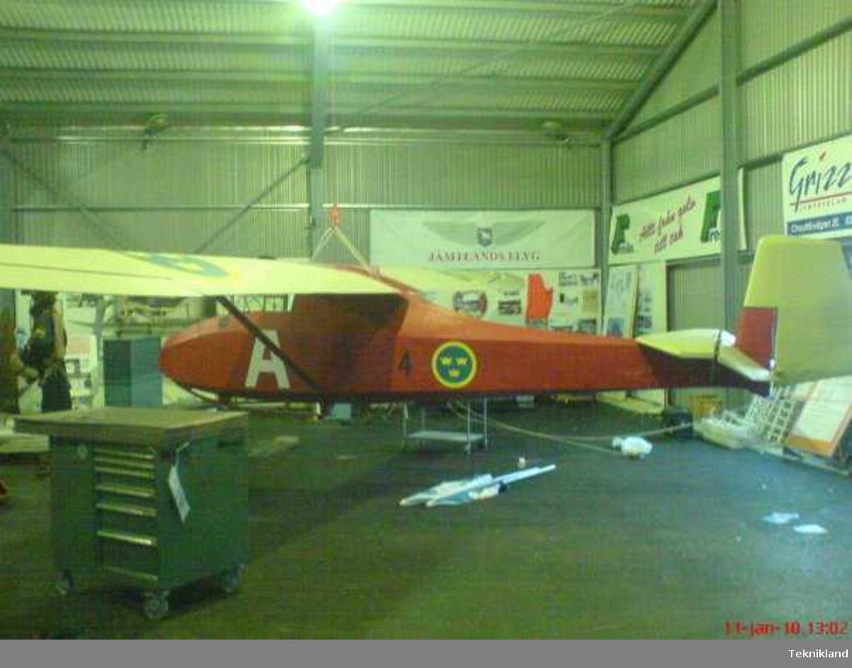 Segelflygplan Grunau Baby, SE-102 Målad och märkt som när typen flög på F 4.