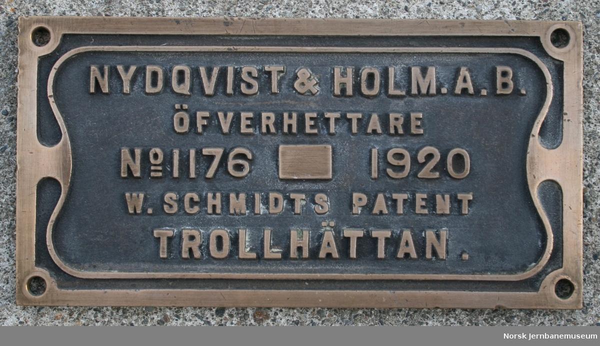 Fabrikkskilt fra Nydqvist & Holm AB : fra NSB damplokomotiv