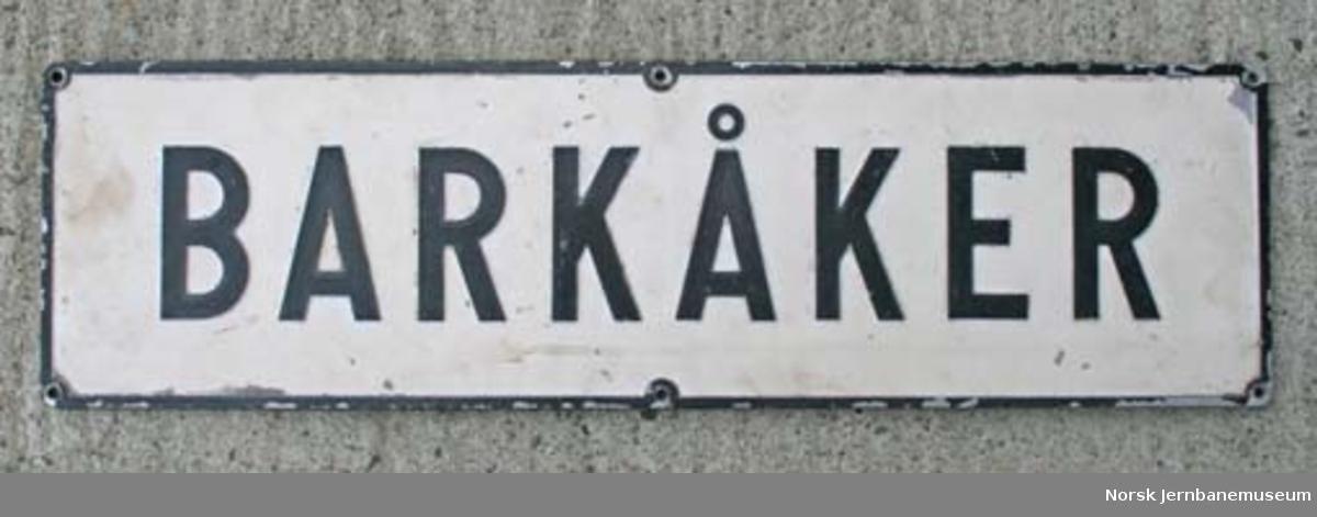 Stasjonsskilt fra Barkåker stasjon