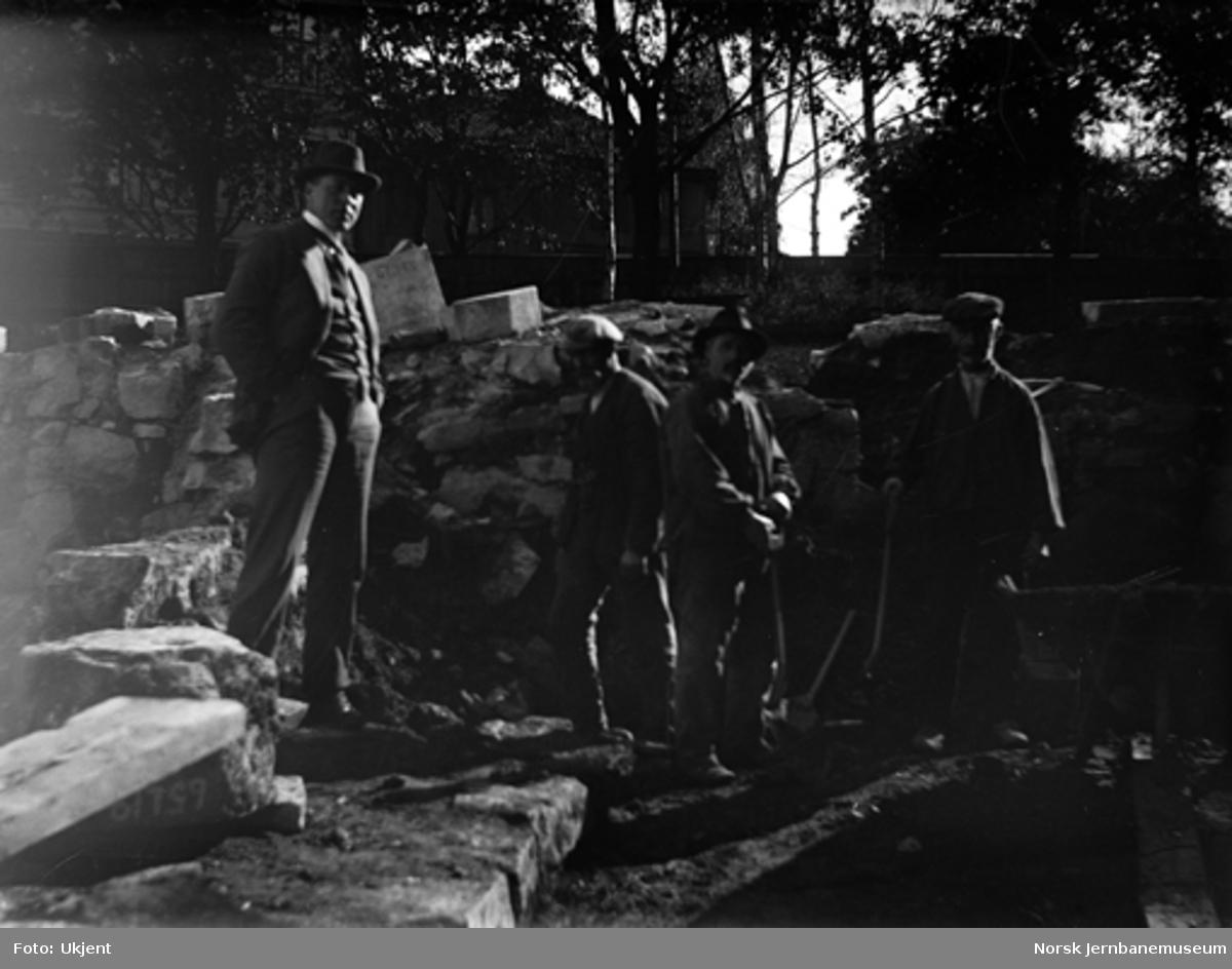 Utgraving ved ruiner i Oslo Ladegårds hage