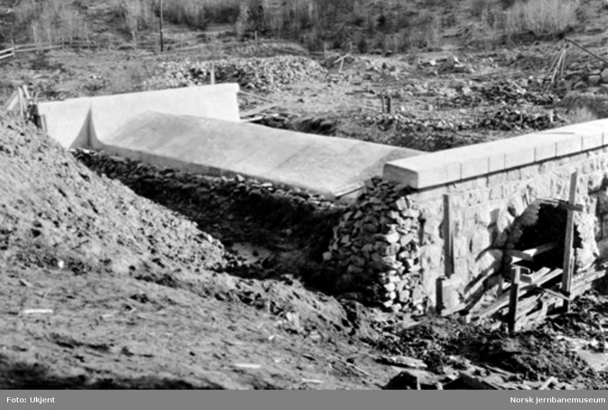 Kulvert ved Hvalsevjen ved pæl 908+7 før avdekningen