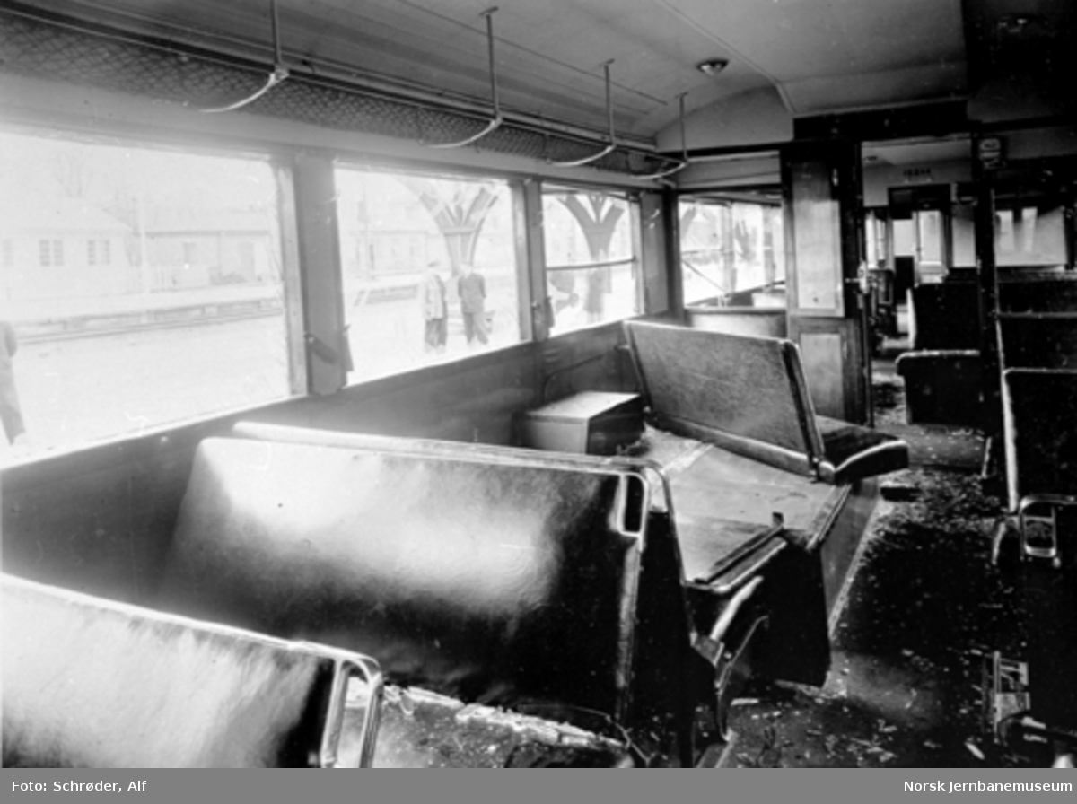 Dieselmotorvogn type 6b nr. 18244 etter sabotasjehandling i tunnelen sør for Gudå stasjon