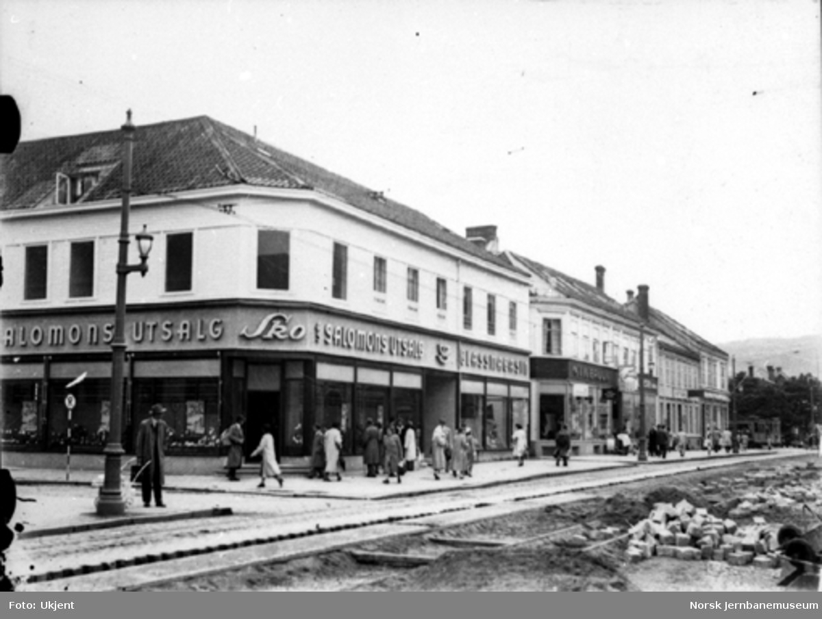 Jernbanespor i bygatene i Trondheim under 2. verdenskrig