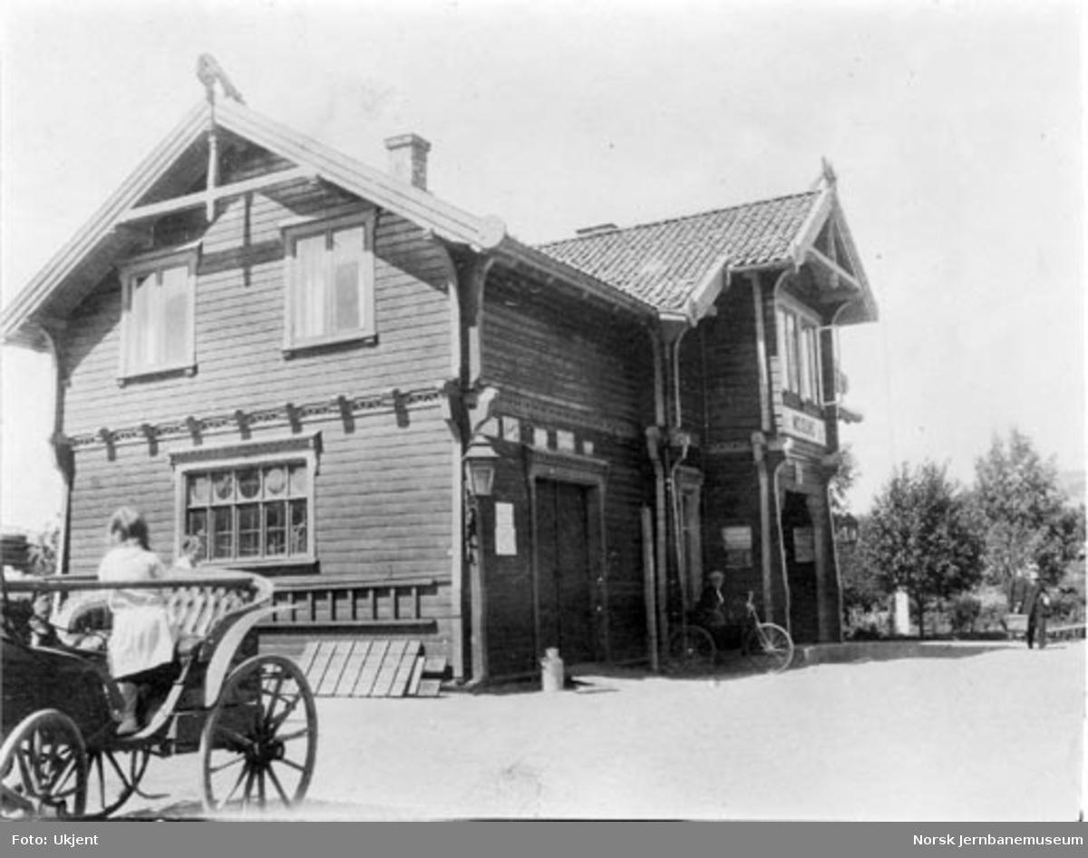 Stasjonsbygningen på Moisund