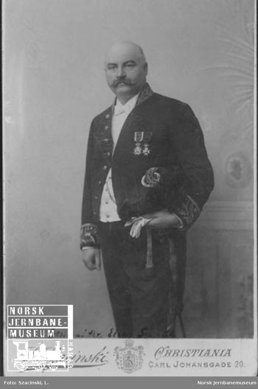Portrett av NSBs generaldirektør Elias Sunde
