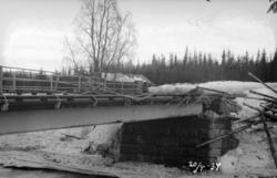 Isgang i Hovda elv, ødelagt vegbru