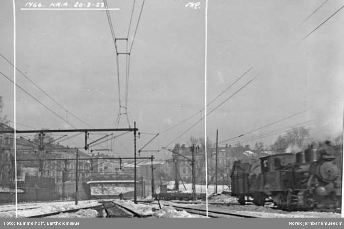 Drammenbanens elektrifisering : kontaktledningsanlegg på Oslo V / Filipstad