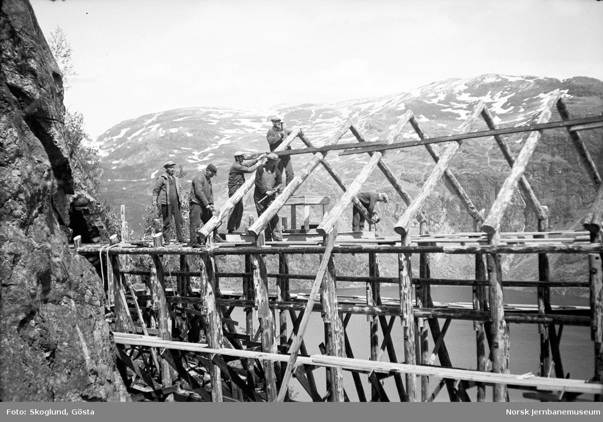 Bygging av snøoverbygg på Bergensbanen