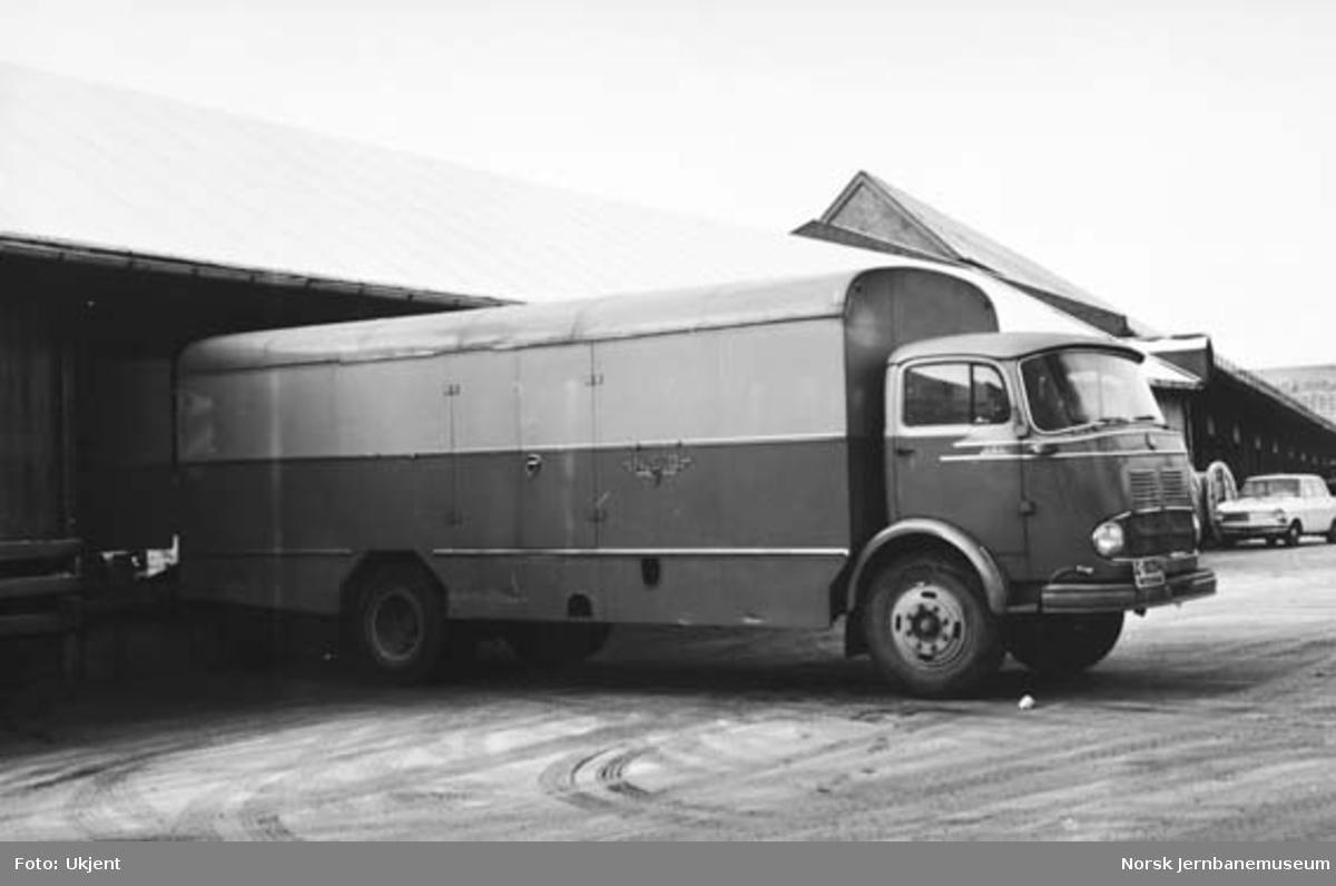 Innelukket godsbil fra NSB