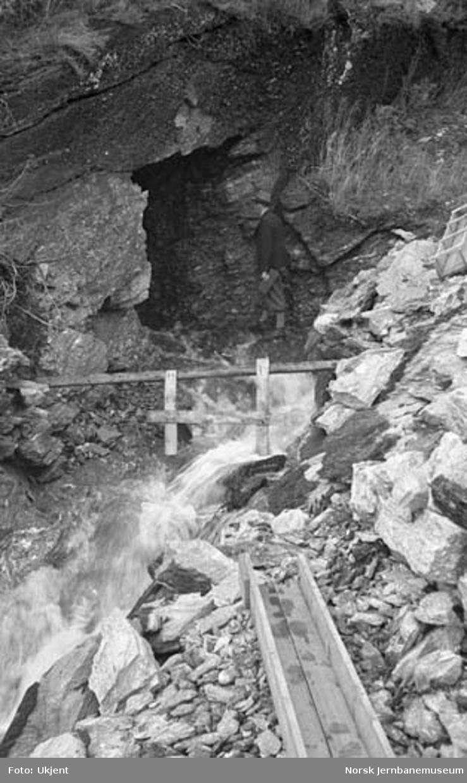 Nordlandsbaneanlegget : vanntunnel for Tørresvikelva