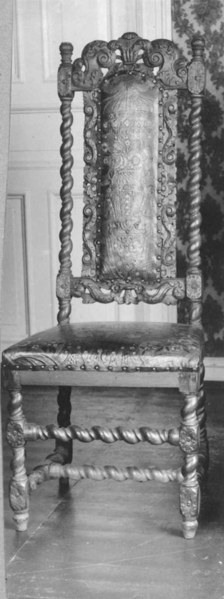 Barokk, ca. 1660 - 1690. Engelske barokkformer, Stol