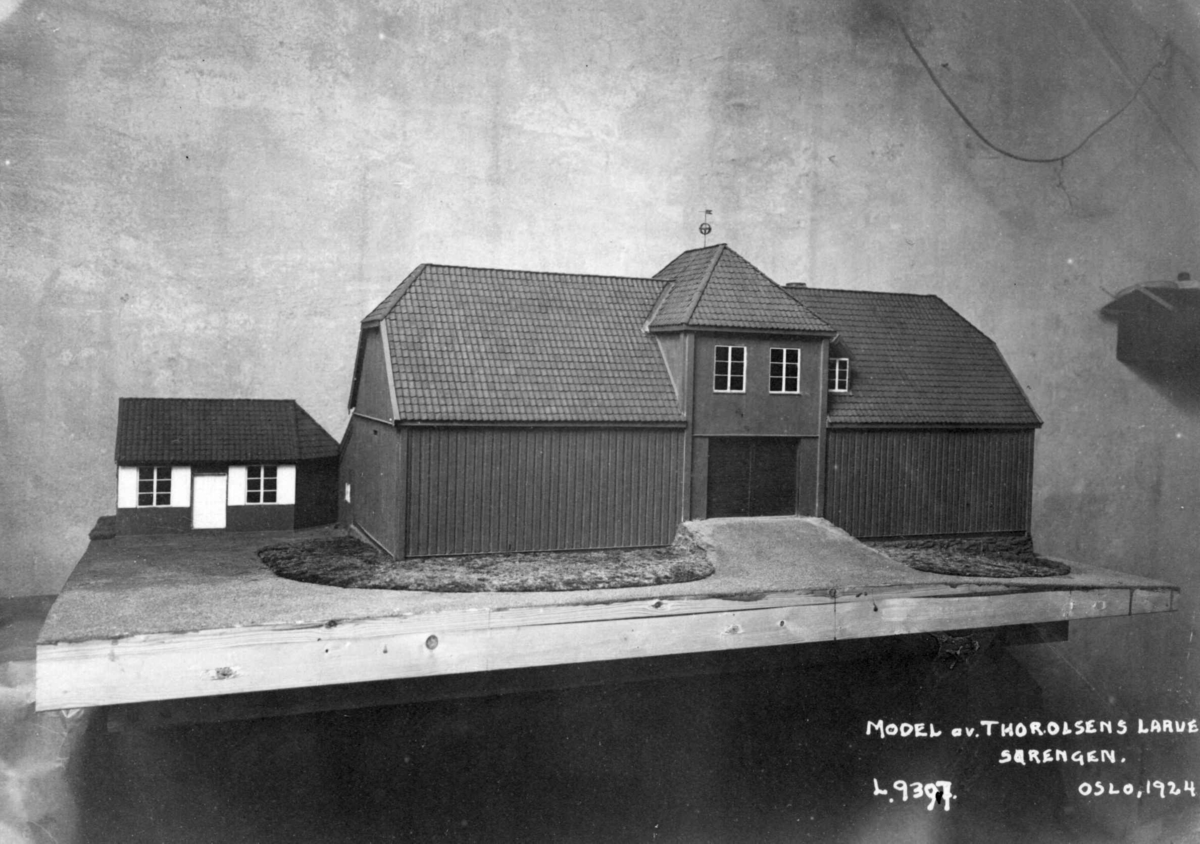 Sørenga, Oslo 1924. Modell av Thor Olsens låve.