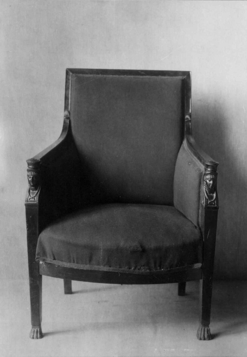 Empire. (1810-30). Stoler med armlene, Stol
