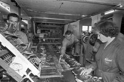 Serie. Produskjon av skotøy ved Sandefjord Skofabrikk. Fotog