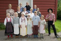 På historisk ferieskole får barn kjennskap til tradisjoner o