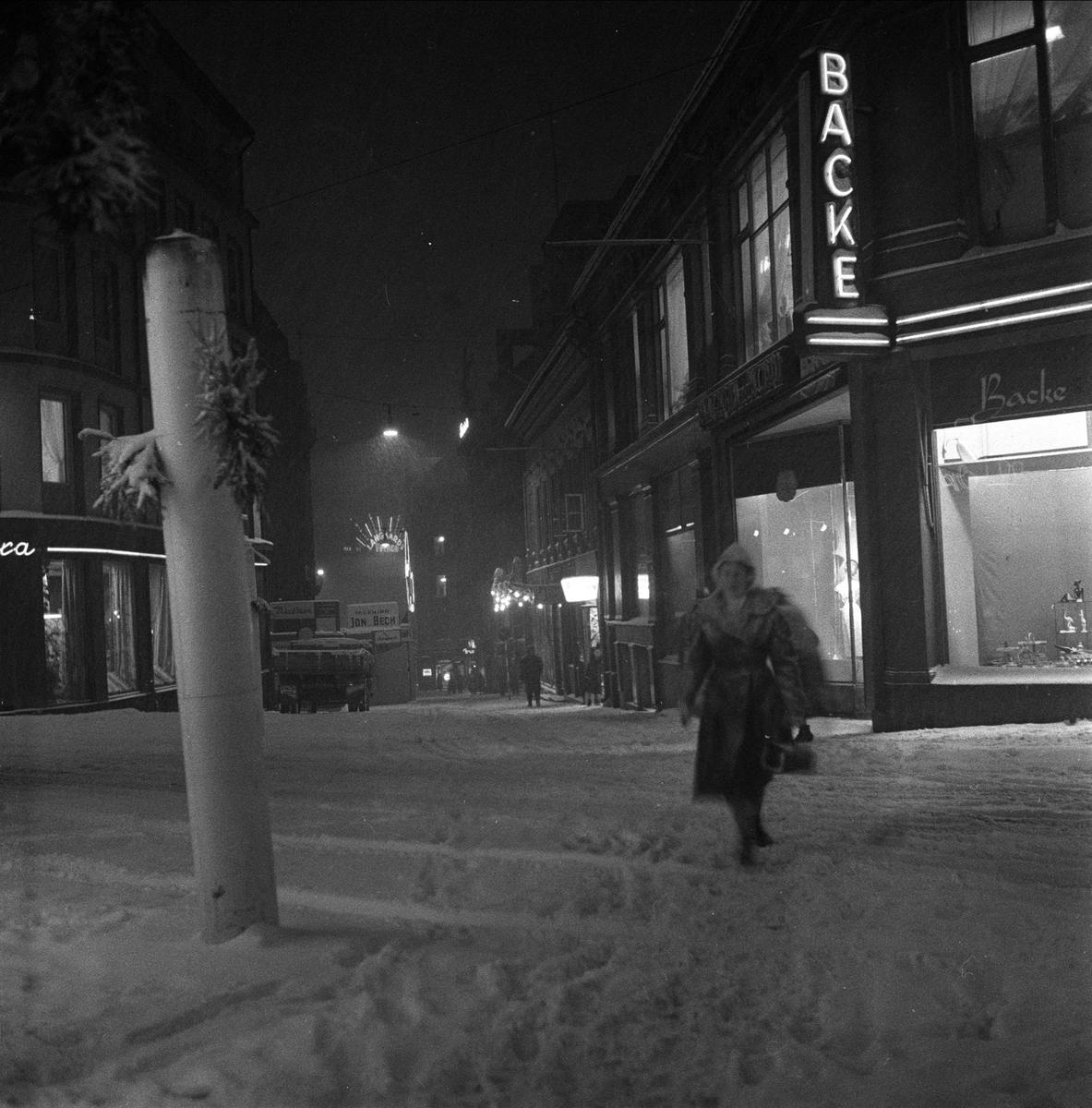 Snøvær, Akersgata, Oslo sentrum,   januar 1959