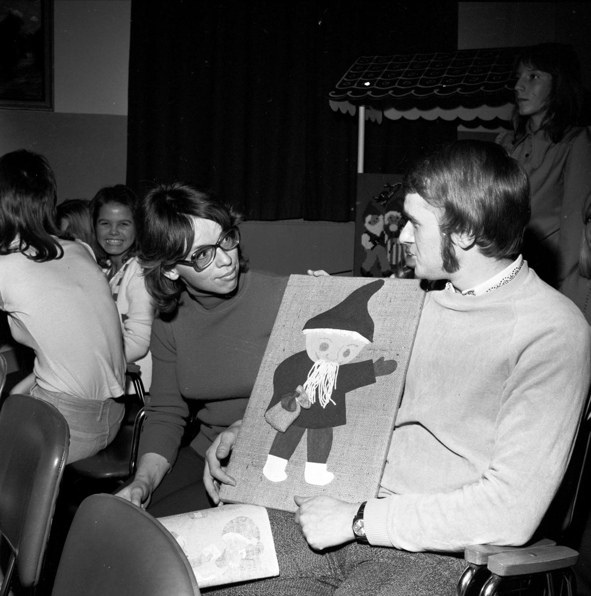 """""""Handskickliga fotbollsspelare roade Tierpsbor"""", Tierp, Uppland 1973"""