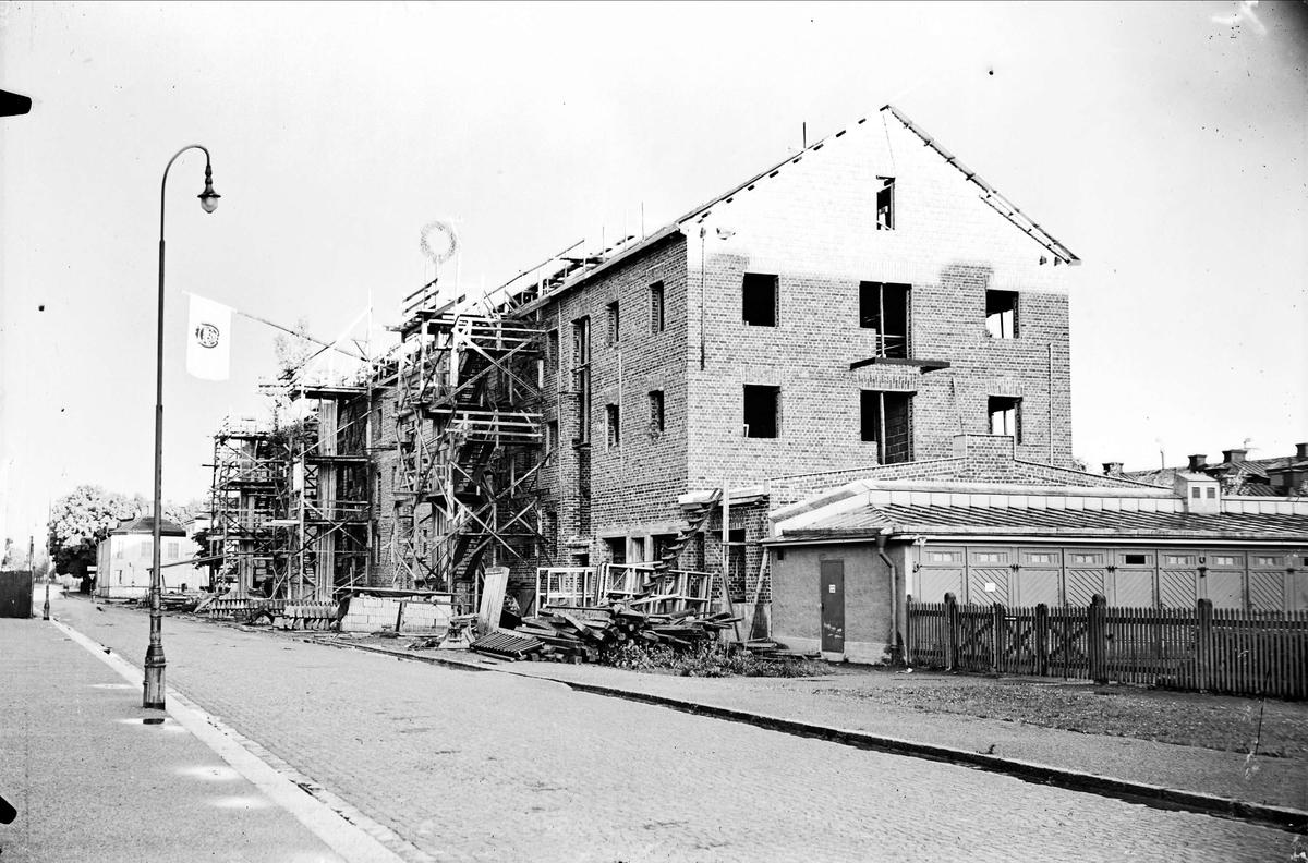 Flerbostadshus under uppförande, Uppsala 1934