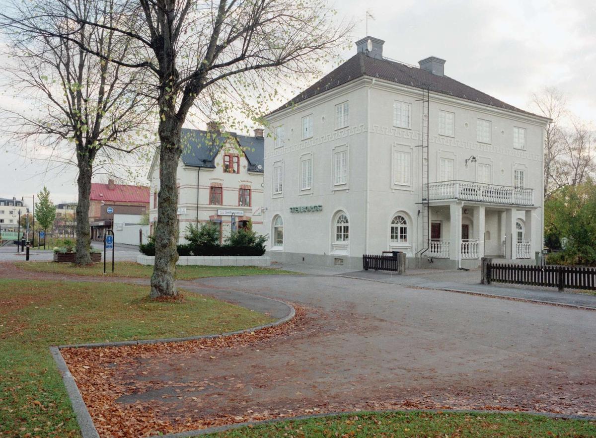 Affärs- och bostadshus, Tierp, Uppland 2000