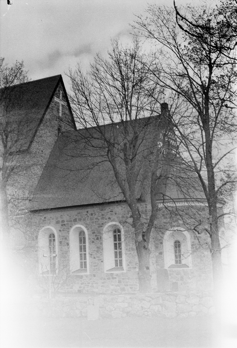 Gamla Uppsala kyrka - Arkeologi Gamla Uppsala 1988-1990