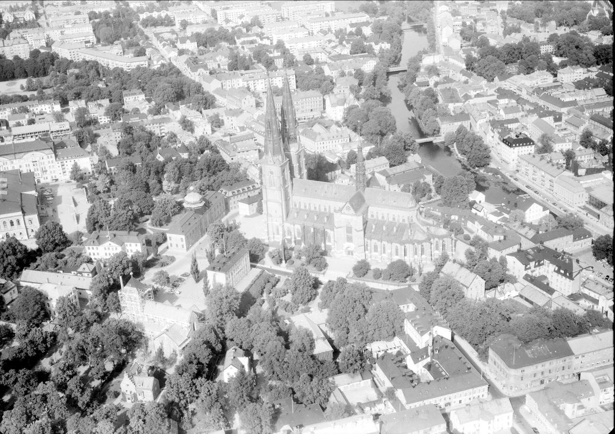 Flygfoto över de centrala delarna av Uppsala 1958