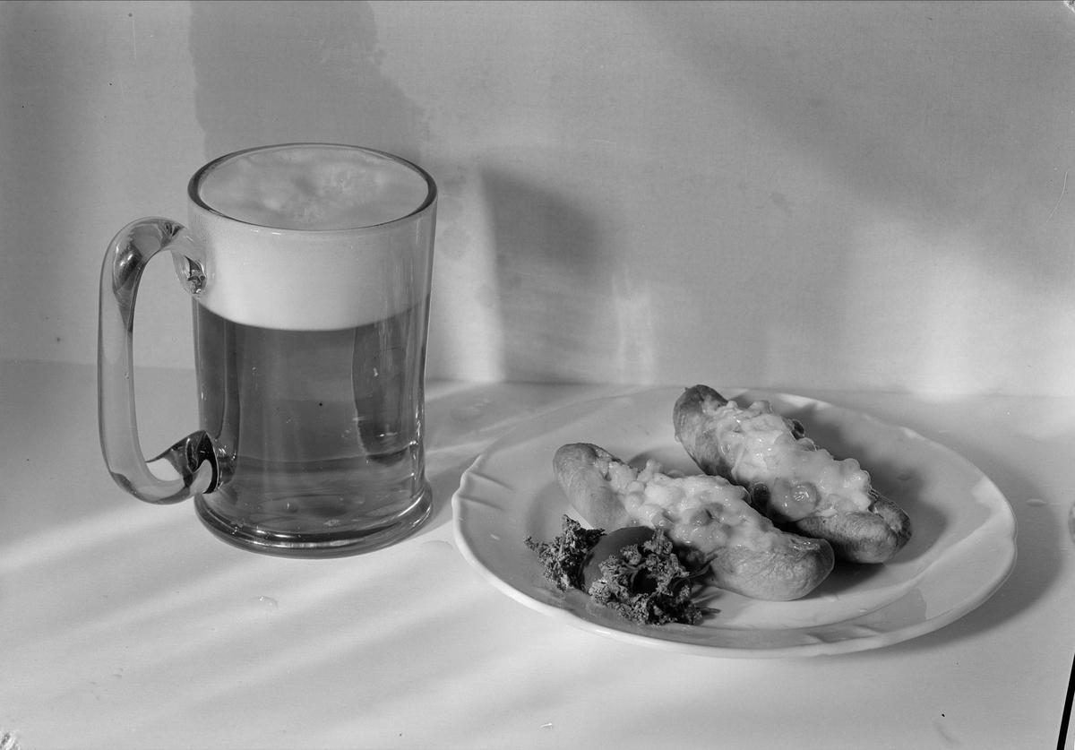 """""""Korv med pilsner"""" - Fackskolan för huslig ekonomi, Uppsala 1935"""