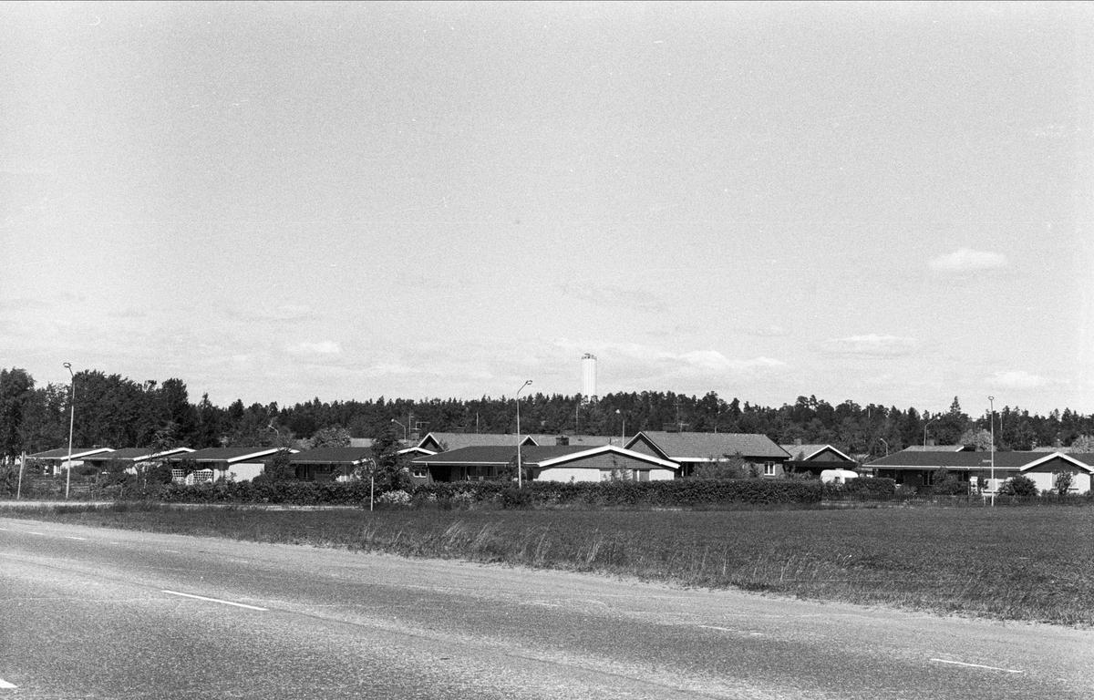 Vy över Björklinge samhälle, Björklinge socken, Uppland 1976
