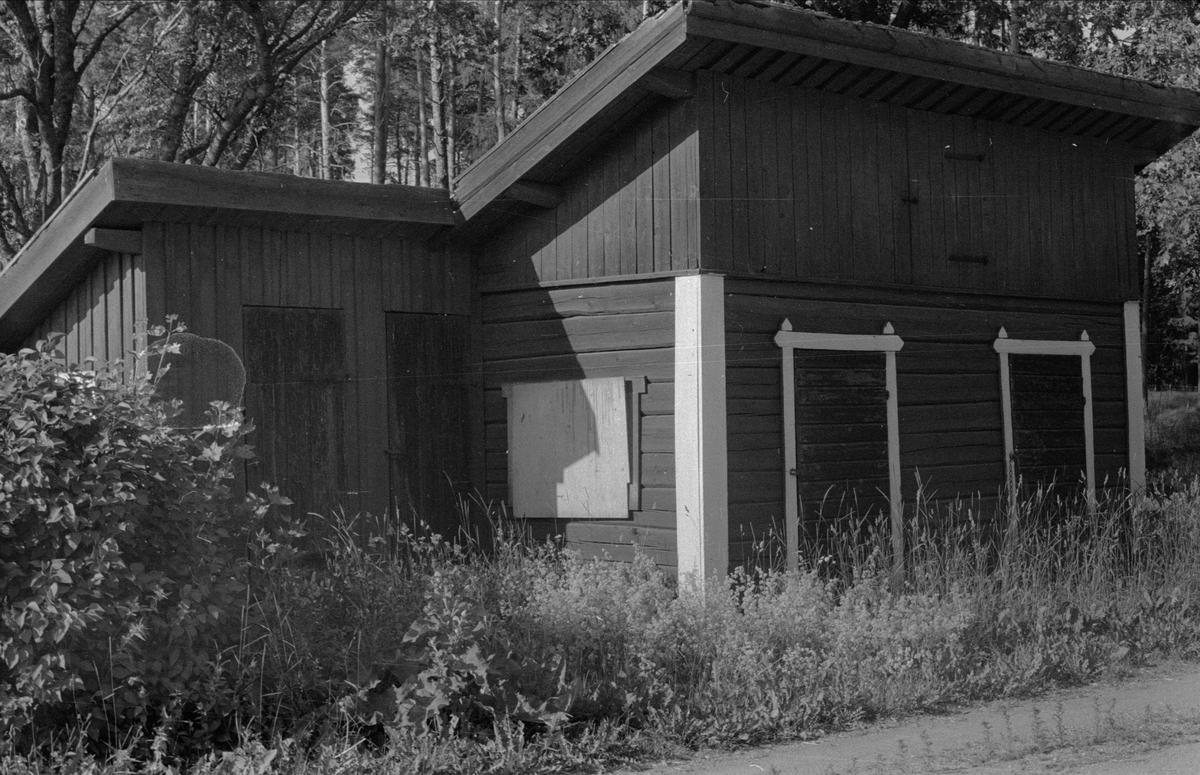 Småfähus och hemlighus, Solhem, Sandbro, Björklinge socken, Uppland 1976