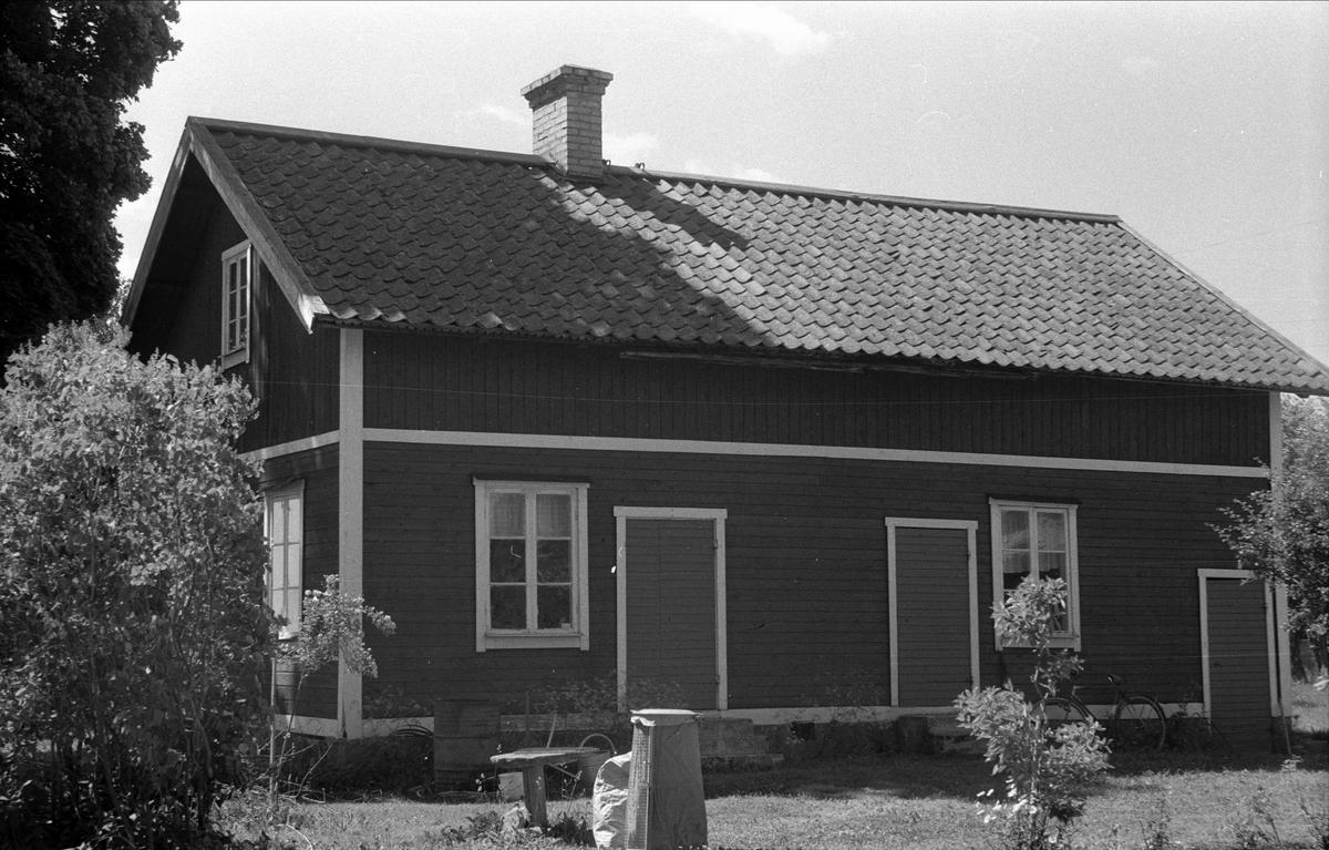 Magasin, jordkällare och brygghus, Lund 2:4, Björklinge socken, Uppland 1976