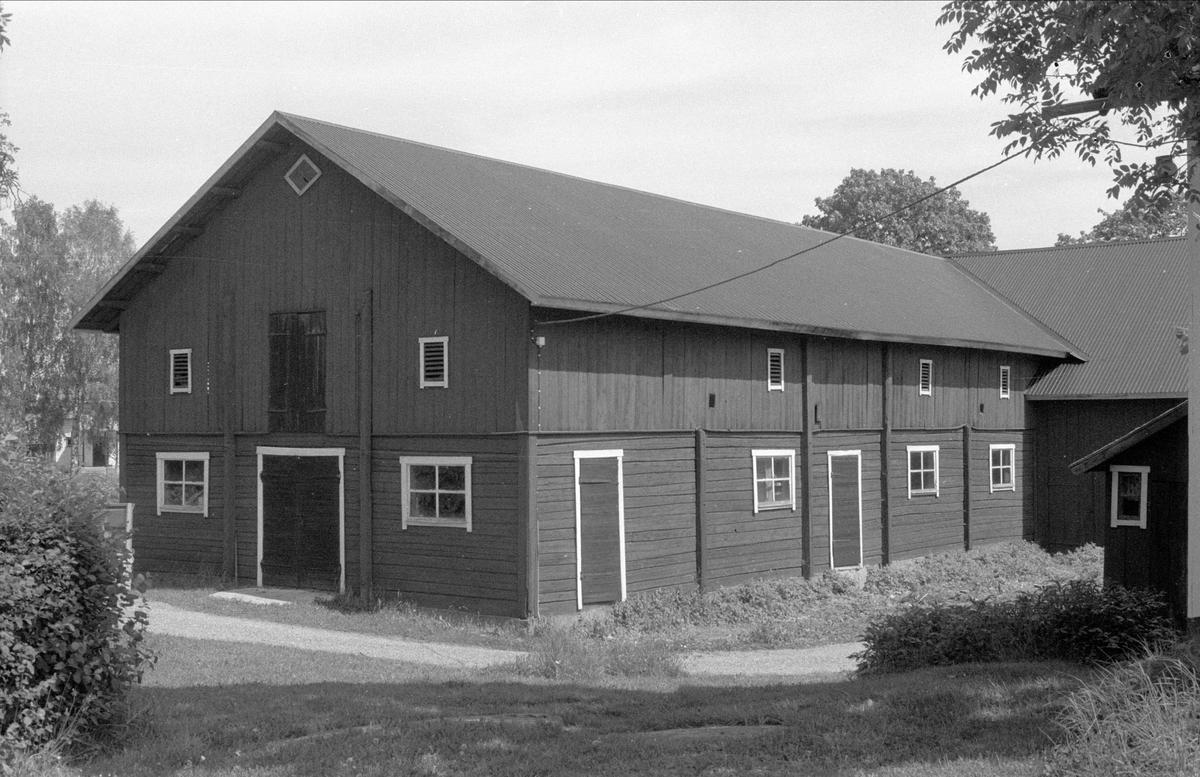 Ladugård, Forkarby 7:5, Bälinge socken, Uppland 1983