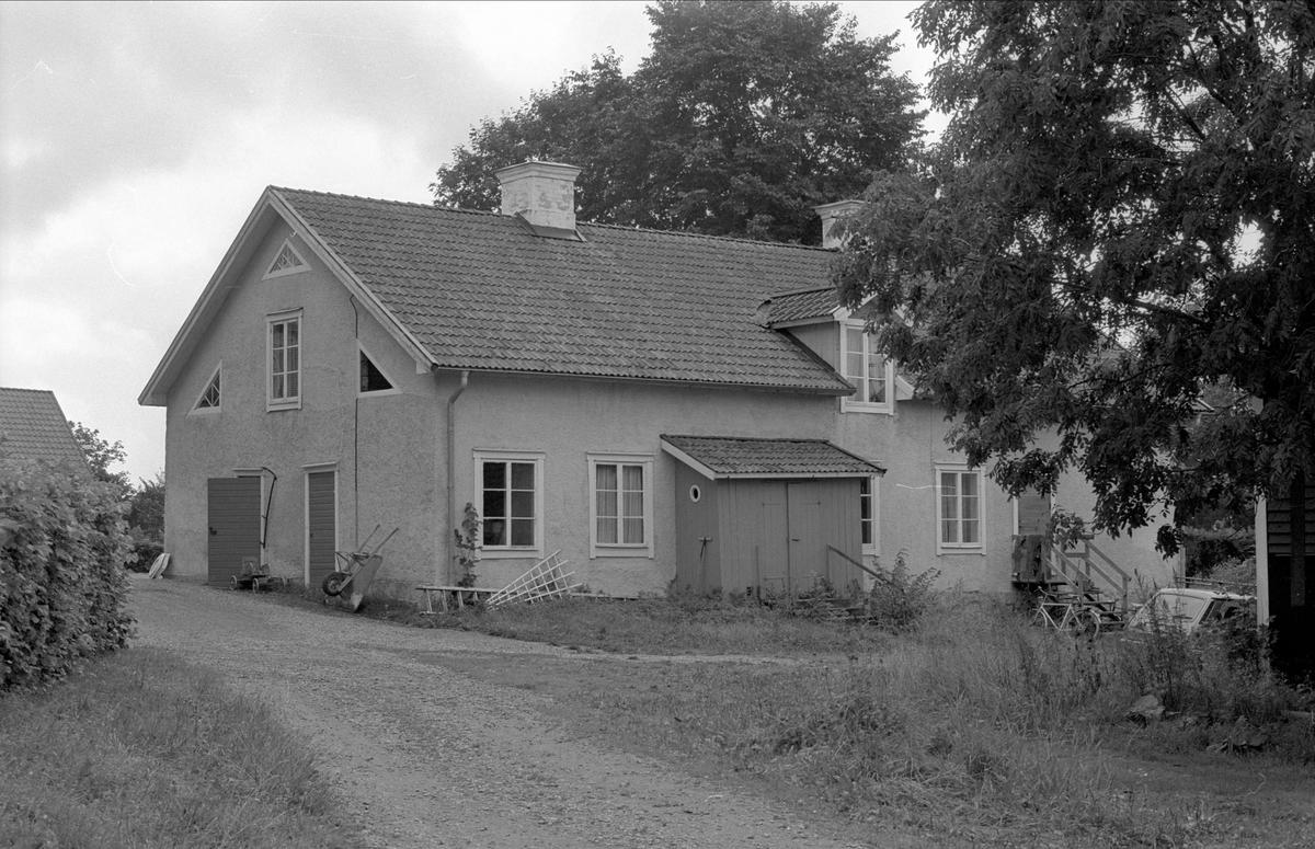 Bostadshus, Henriksberg 7:1, Rasbo socken, Uppland 1982