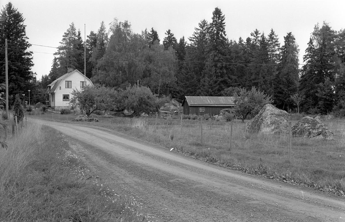 Bostadshus och ekonomibyggnader, Solbacken, Rasbo socken, Uppland