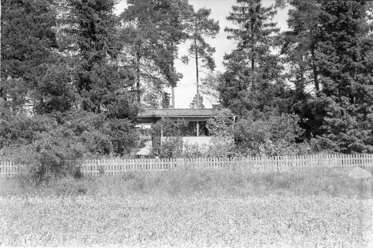 Sommarstuga, Västerby 1:1, Läby socken, Uppland 1975