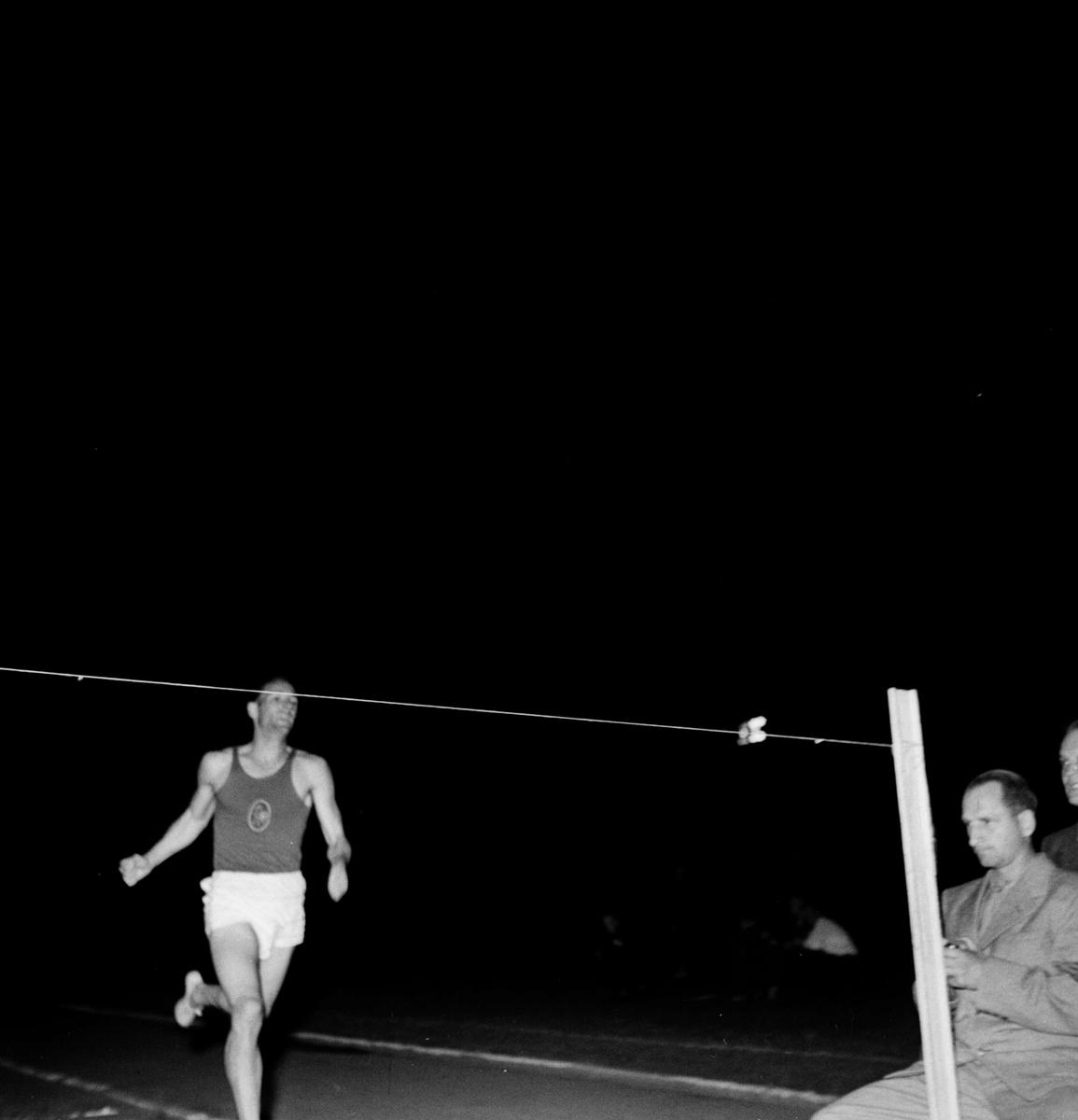 Upsala Idrottsförening, UIF - Augustispelen med fransmän på Studenternas Idrottsplats, Uppsala 1947