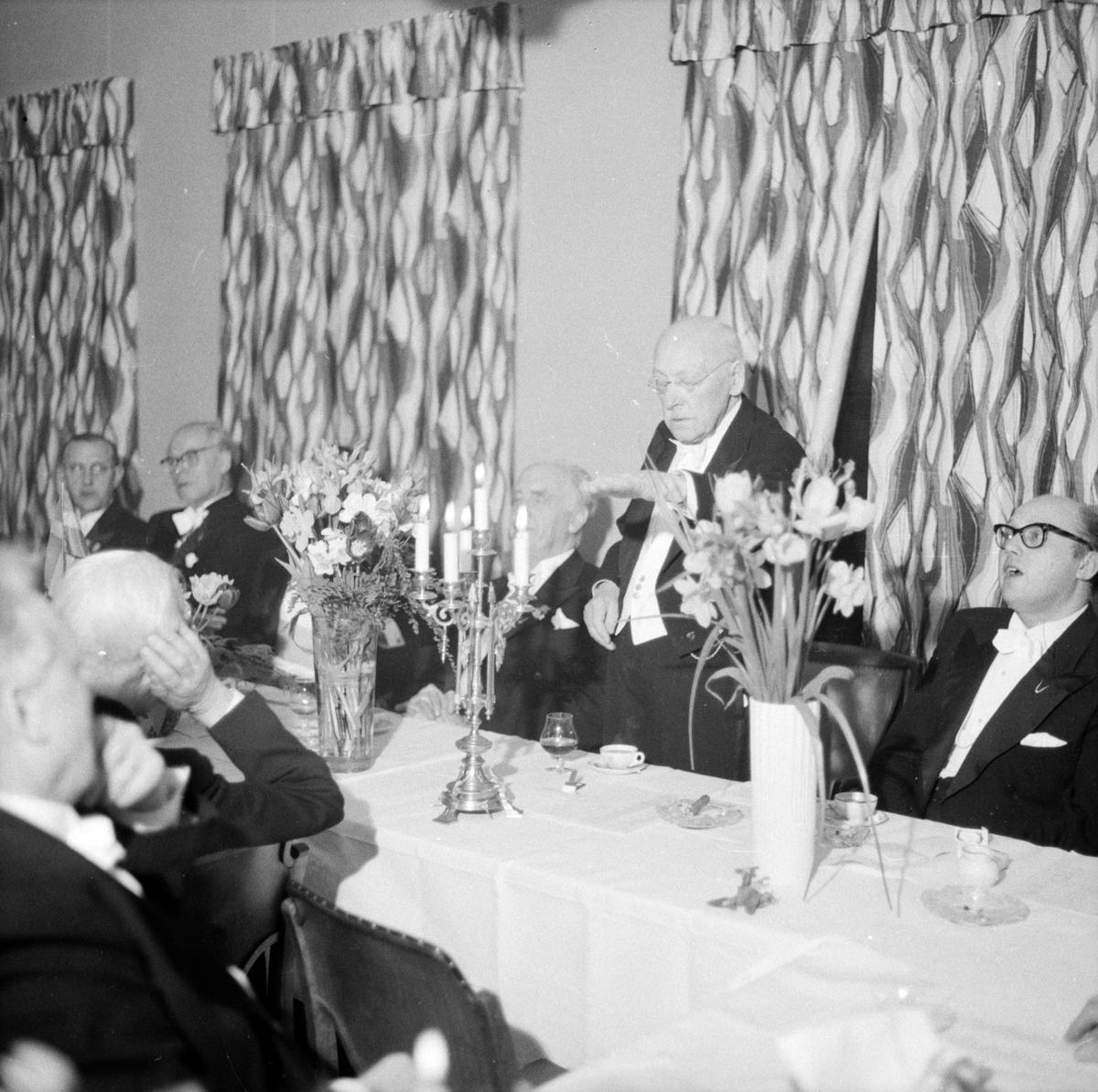 Orphei Drängar hyllade tonsättaren Hugo Alfvén inför hans 85-årsdag, Flustret, Uppsala 1957