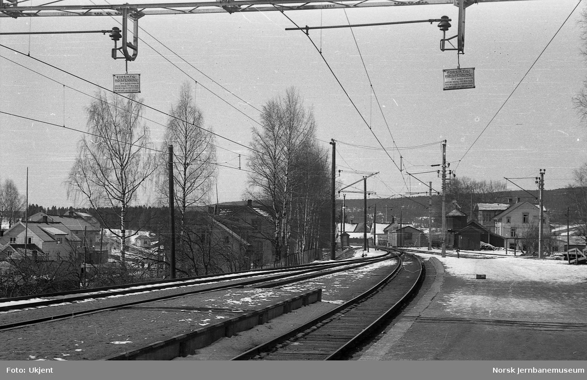 Sørumsand stasjon : advarselskilt for kontaktledning