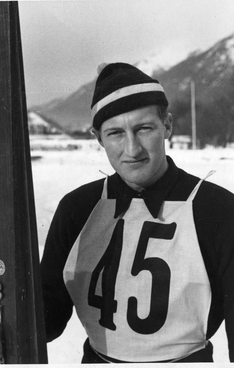 Reidar Andersen i Garmisch-Partenkirchen i 1936. Reidar Andersen at the Olympic Games at Garmisch-Partenkirchen in 1936.