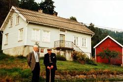 Brødrene Lars og Torkel Leland. Her ved Torkels heim i Golevik i Audnedal.
