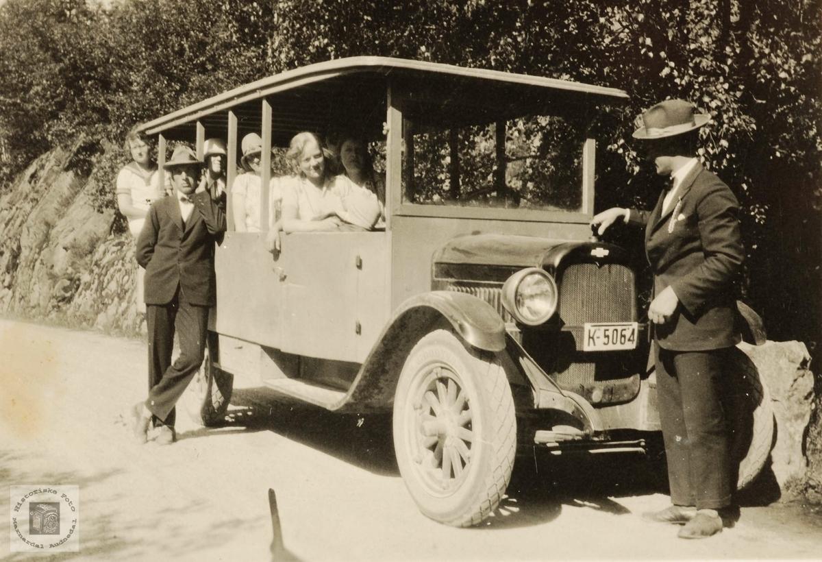 """Røynesdalsruta"" på tur. Chevrolet, årsmodell 1927."