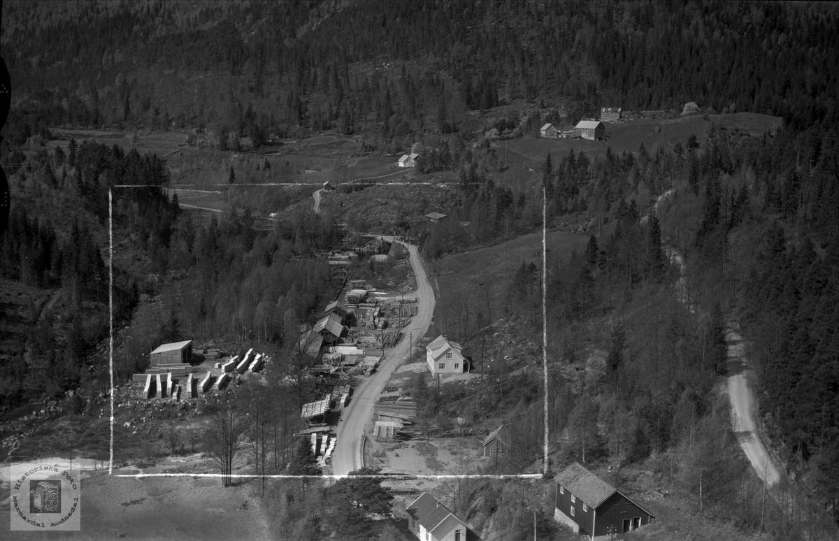 Flyfoto over Øydna Sagbruk, Byremo i Audnedal.